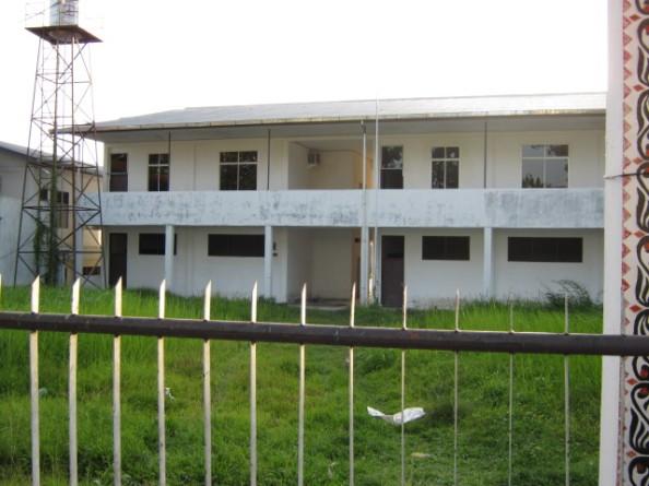 Gedung belajar siswa-siswi Kelas 3 SMAN 4 terletak di Jl. Sisimangaraja